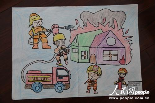 儿童画消防员简笔画-云南鲁甸消防联合驻地教育局开展儿童消防作品