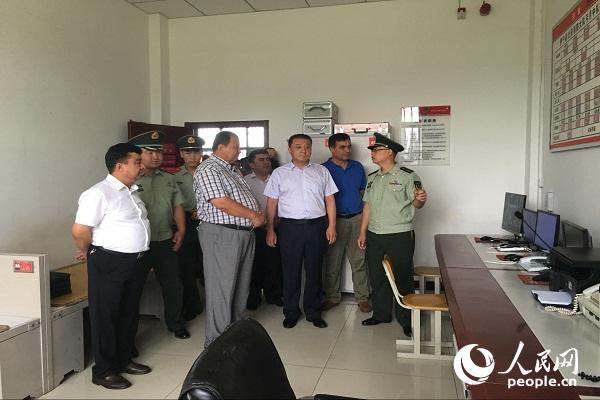 新疆伊宁百人观摩团参观消防民族团结建设工作--法治
