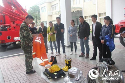 江西九江县超市员工深入红门参观学习消防安全知识