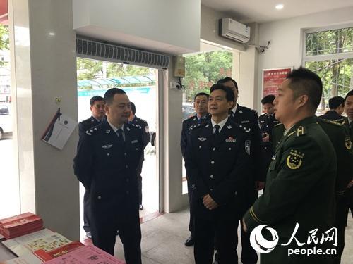 湖北省公安厅副厅长调研指导黄石市社区消防安