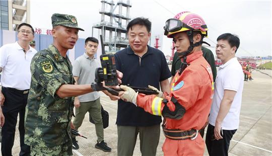 应急管理部消防局副局长魏捍东深入训练基地检查指导