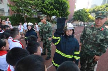 开学第一课消防活动拉开帷幕